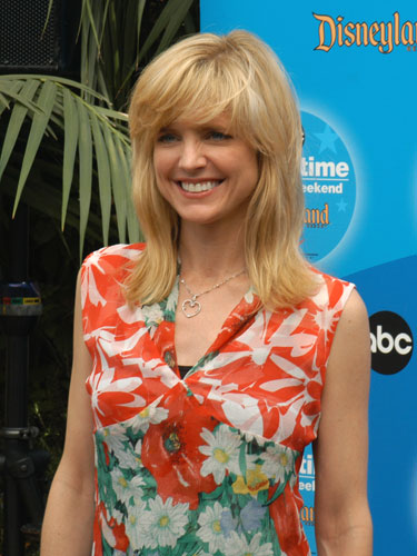 Courtney thorne smith for According to jim the swimming pool